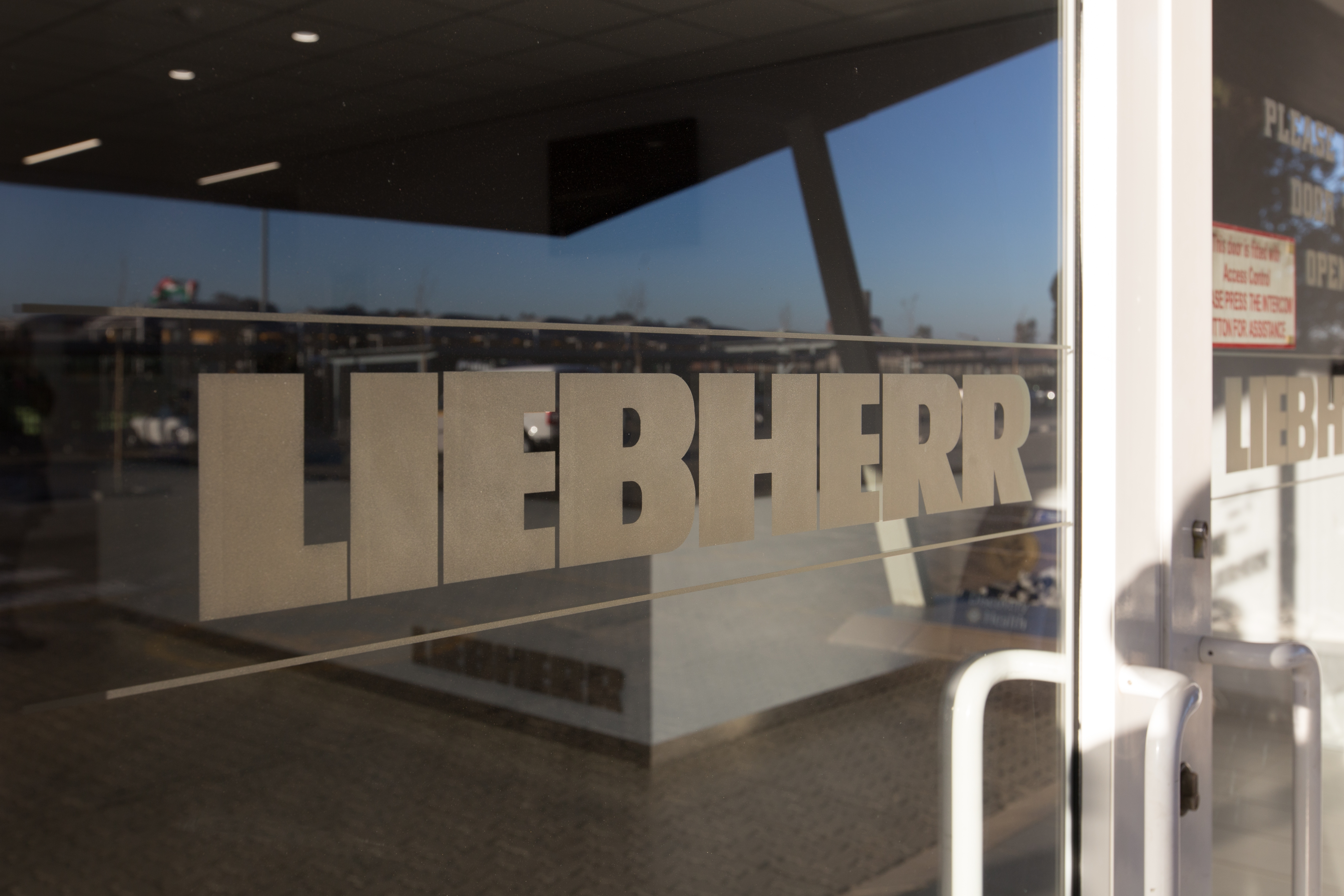Liebherr Office 12